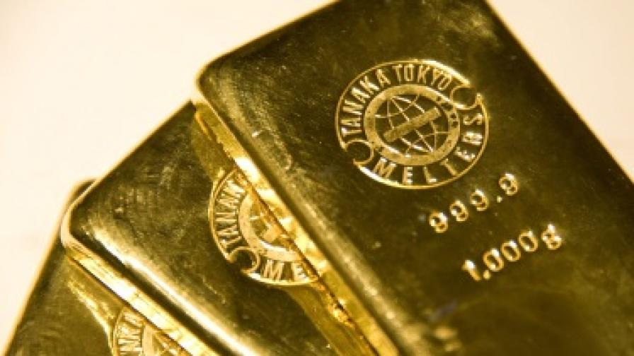 Хората масово продават златото си