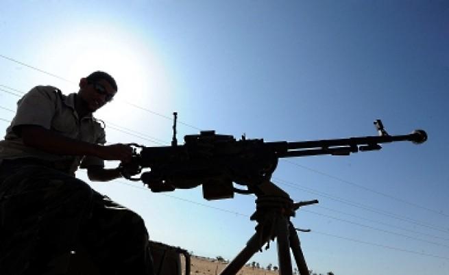 Бунтовниците отрязват доставките за Кадафи