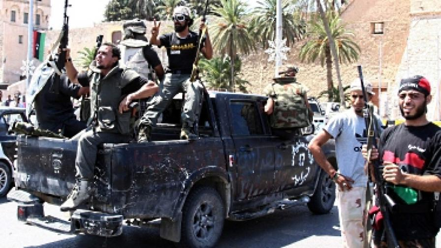 Мародери проникнаха в посолството ни в Триполи