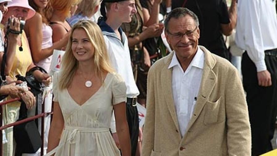Андрей Кончаловски и петата му съпруга Юлия Висоцка на кинофестивала в Сочи (фотография от 2007 г.)