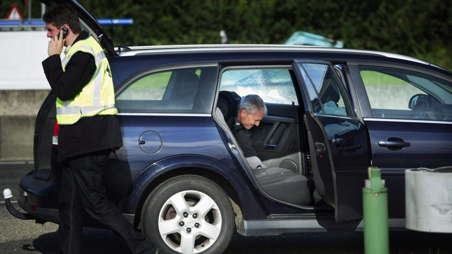 В Холандия издирват стрелец по коли на магистралата