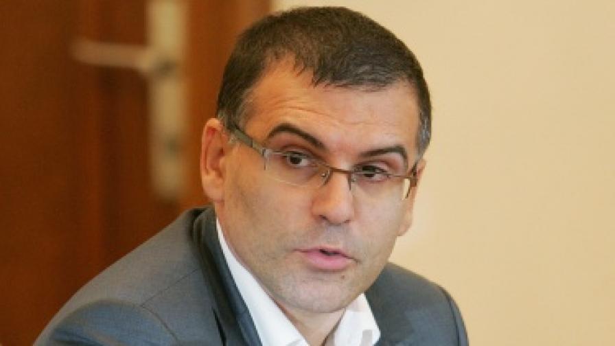 Дянков праща ревизори в Перник