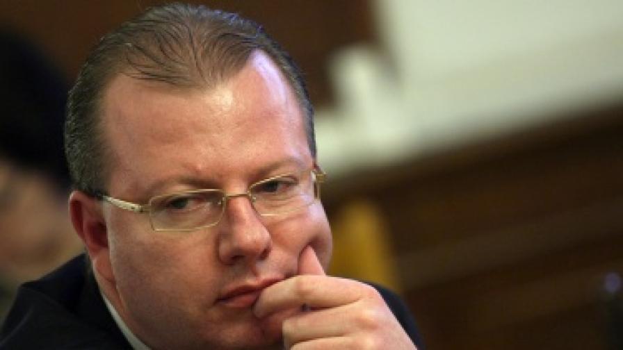 Стефанов: НАП събра 63% от плана за годината