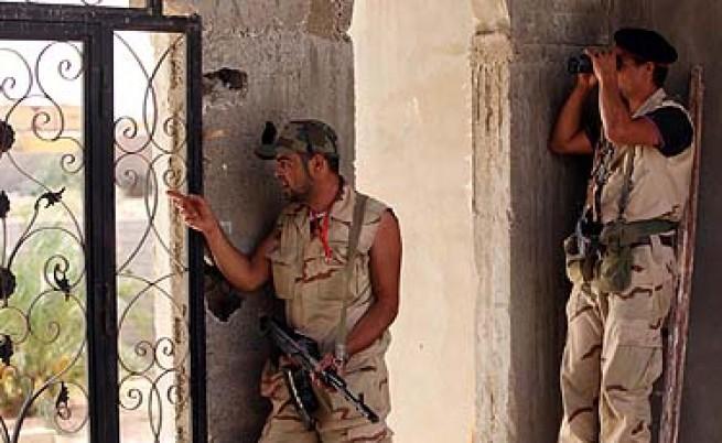 Кадафи държал стотици либийци в незаконни затвори