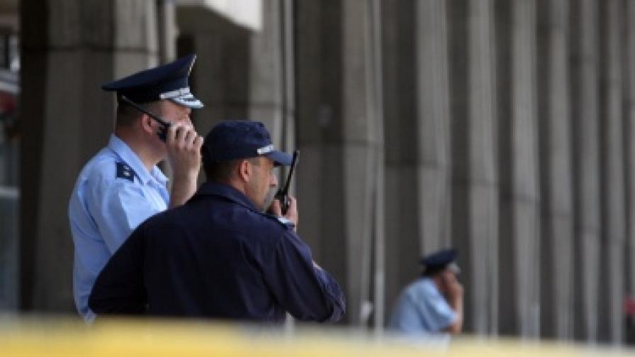 Сигнал за бомба блокира Централна гара