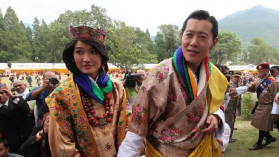 Бутан има 21-годишна кралица