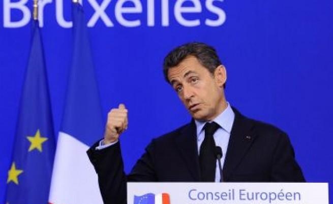 Саркози в спорове с Камерън и Берлускони