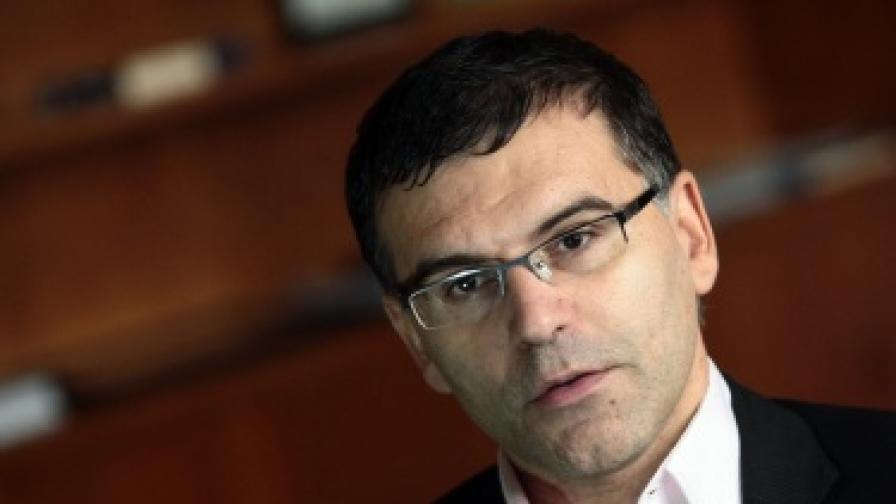 Дянков: Кризата в Гърция ни помага