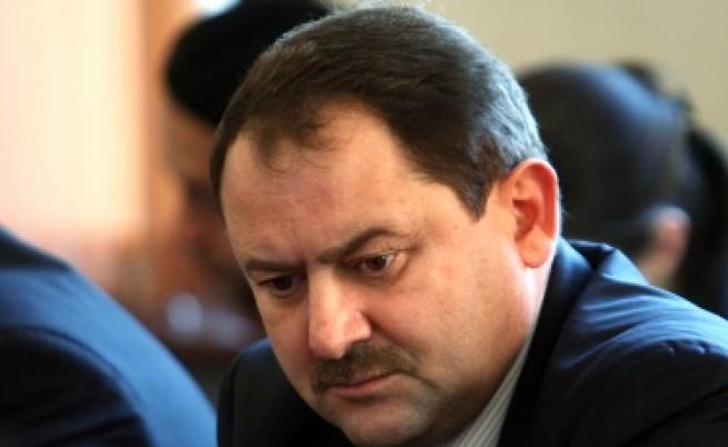 Съдия Пенгезов и Делян Пеевски разменят обвинения