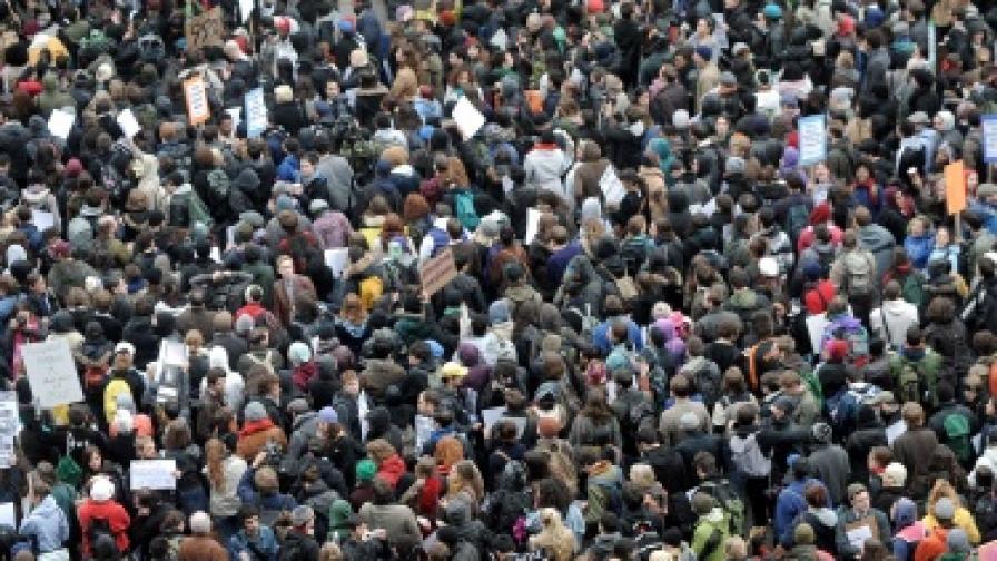 "Над 300 от ""Окупирай Уолстрийт"" арестувани"