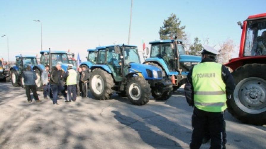 Зърнопроизводители излязоха по пътищата