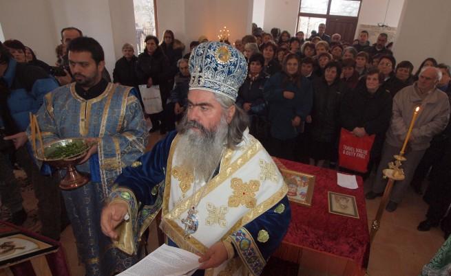 Б. Димитров: Не може митрополит да се вози в лада