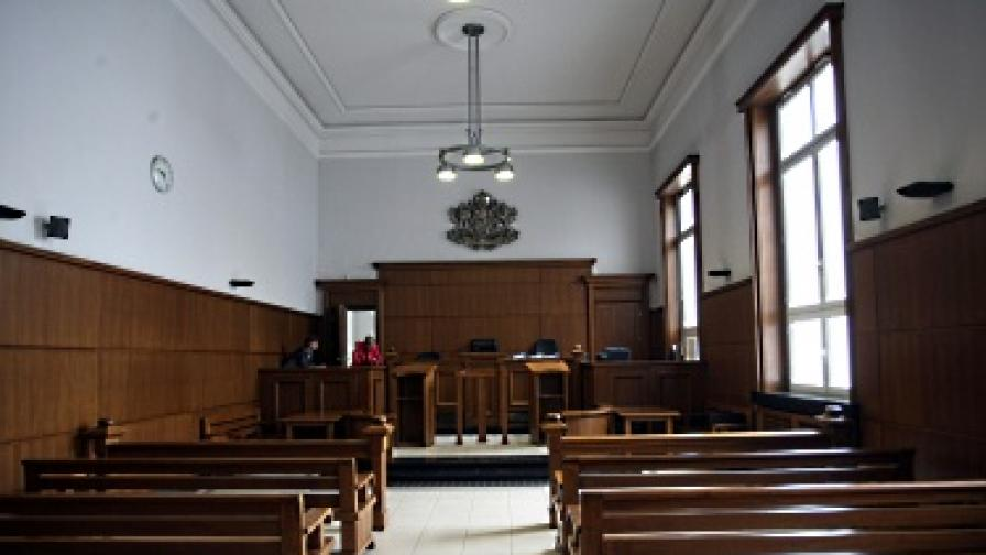 Сезират Конституционния съд заради закона за НЗОК