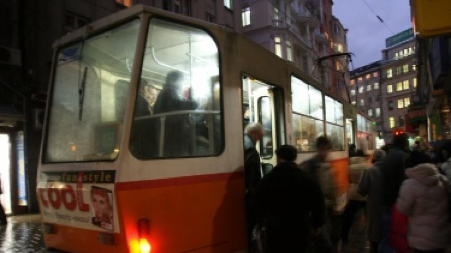 Как ще работи градският транспорт по празниците