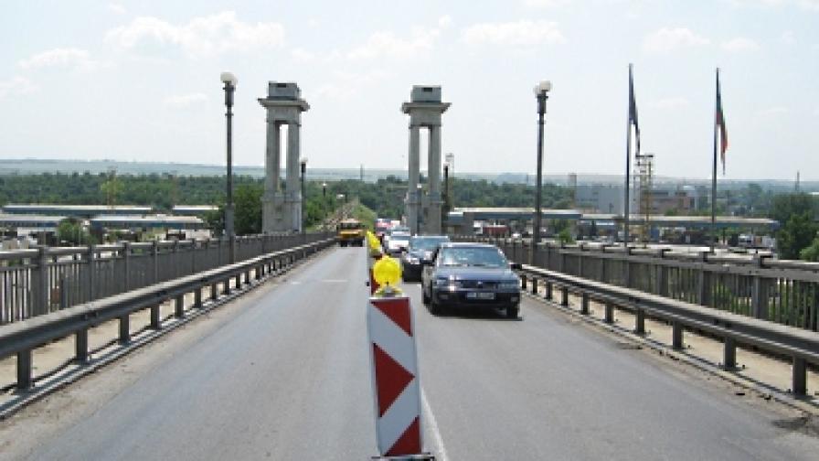 Румъния няма да намали таксата за Дунав мост