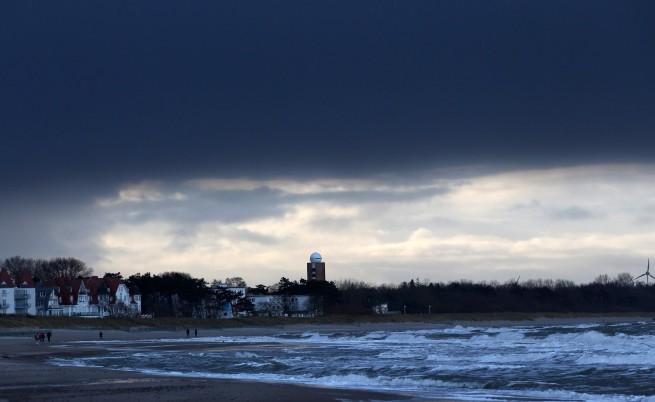 Силни бури в Белгия, Холандия, на Острова