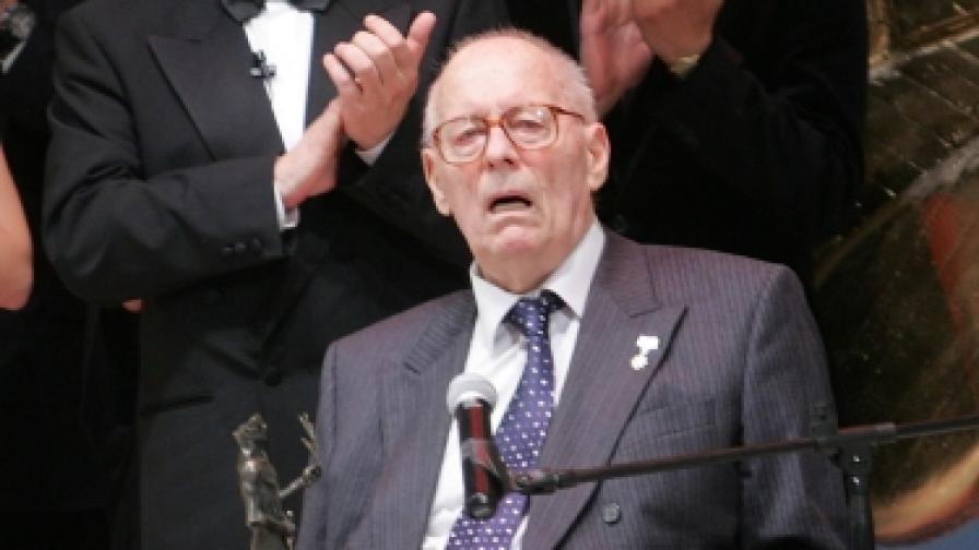 """На 23 май 2011 г. Коста Цонев получи почетна награда """"Аскеер"""""""