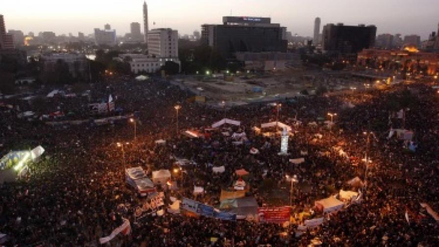 Над 80 души пострадаха при блъсканица в Кайро