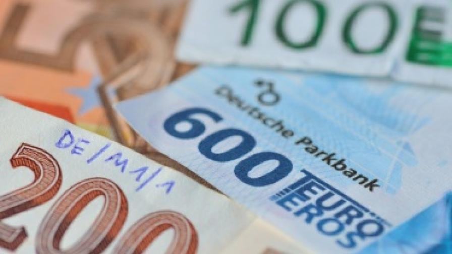 Еврото се фалшифицирало по-малко през 2011 г.