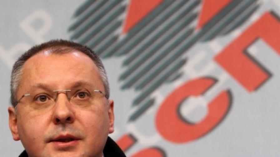 Станишев: Дянков иска да потроши каквото е останало от фискалния резерв
