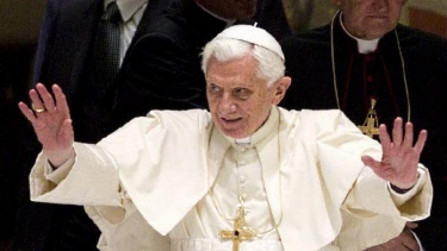 Атентат срещу папата до една година?