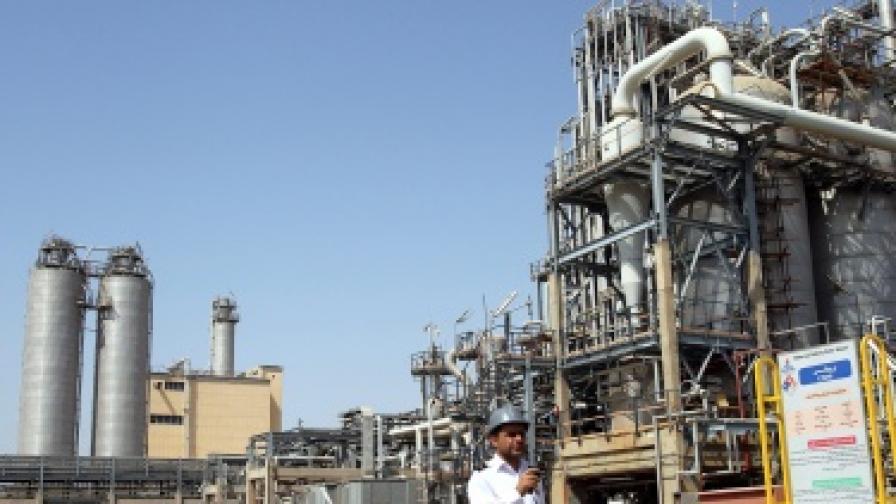 Цените на петрола с рекорд заради Иран