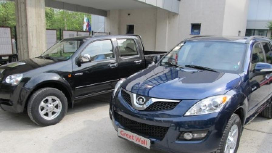 Заводът за автомобили край Ловеч бе официално открит