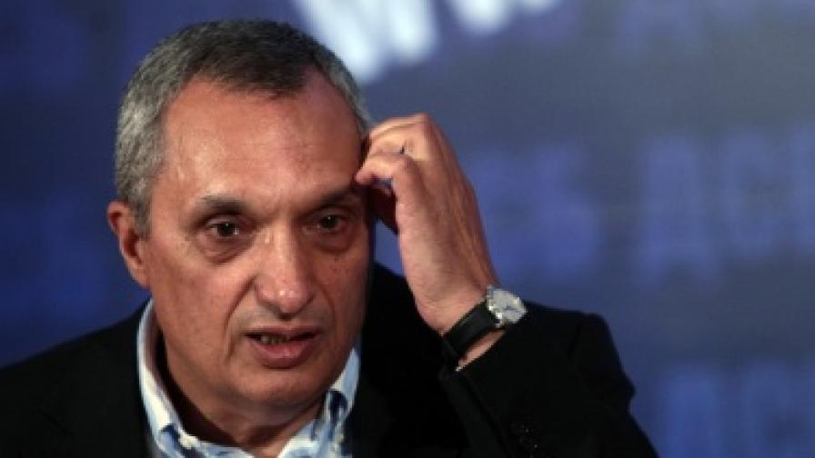 Синята коалиция иска оставка на ръководството на КЗК заради Лукойл