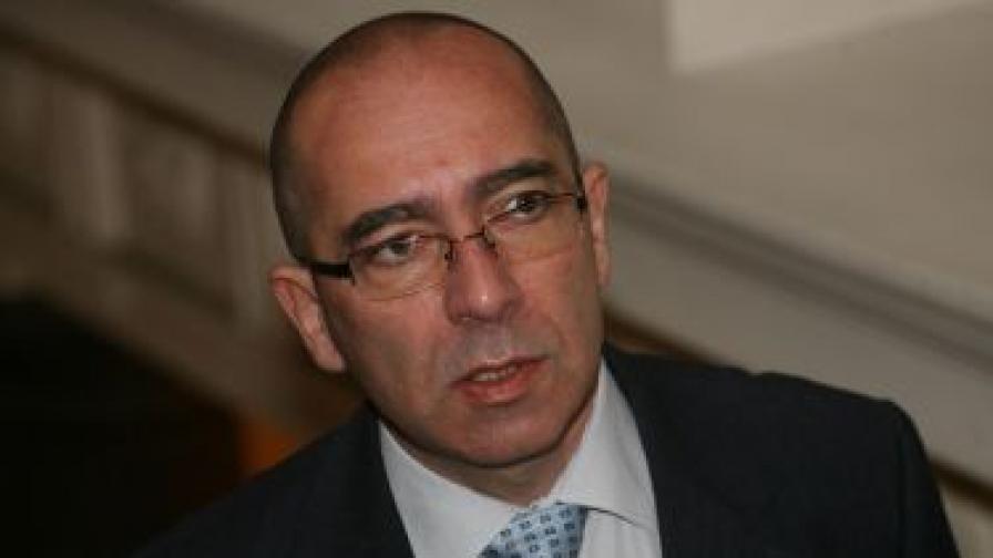 Константинов: Депутатите от ГЕРБ трябва да застанат зад мен