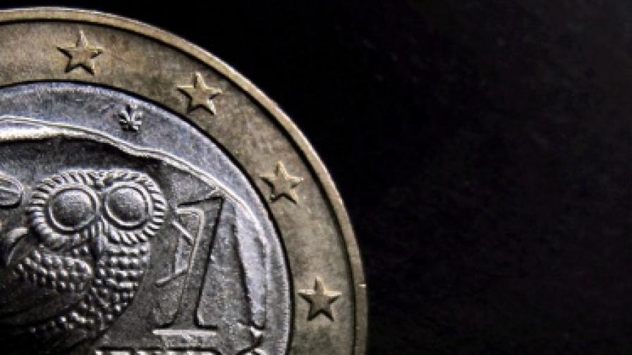 ЕС одобри първия транш от новия спасителен пакет за Гърция