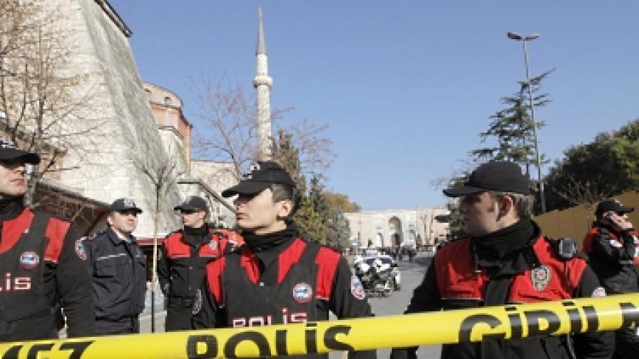 Две жертви на стрелба напосоки в Турция