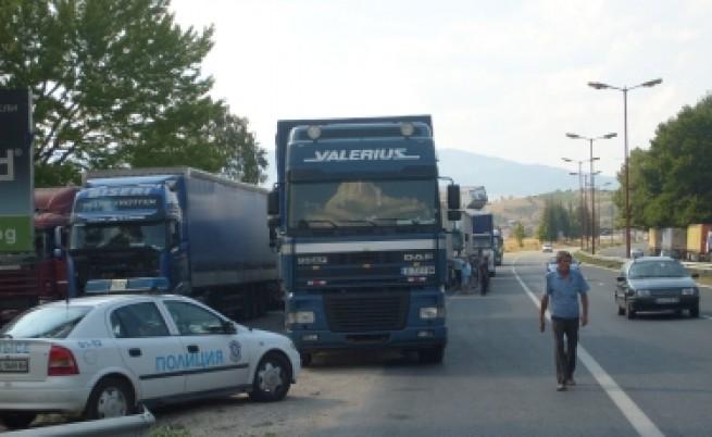 Без тежки камиони на пътя по празниците