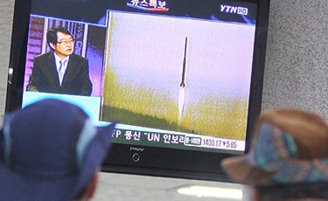 Северна Корея изстрелва сателит след сателит