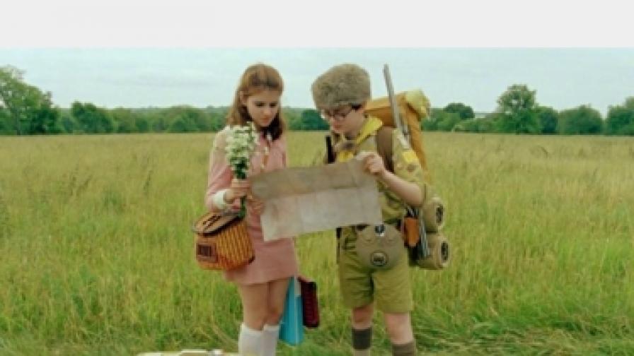 """Джаред Гилман и Кара Хей Уард в кадър от """"В царството на пълнолунието"""""""