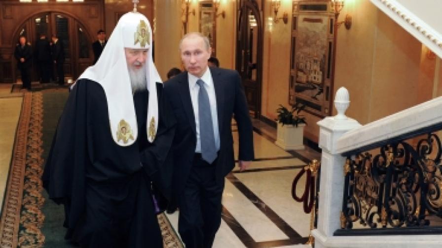 Горан Благоев: Критикуват патриарха Кирил заради имоти, заради откритата му подкрепата към Путин, заради проповедта му православните да не ходят на митингите на опозицията