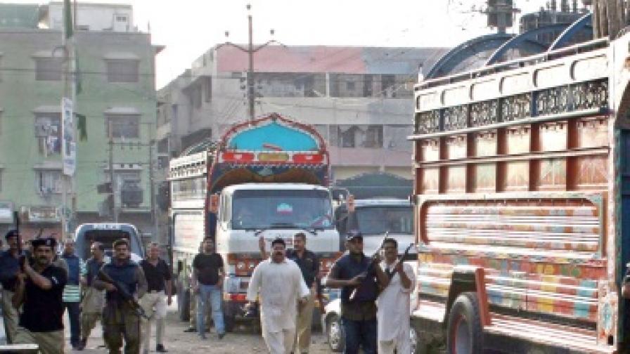 Пакистански автобус падна в пропаст, има жертви