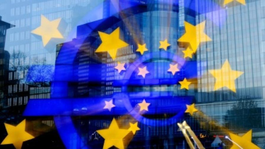 Изборите в Гърция и Франция донесоха спад на еврото