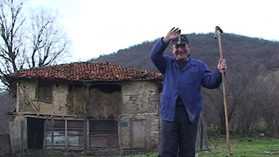 През 2010 г. единственият жител на сунгурларското село Каменско е 70-годишният Сабри Мехмед