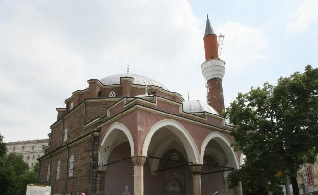 Обмислят ремонт на джамията в София, напукана след труса