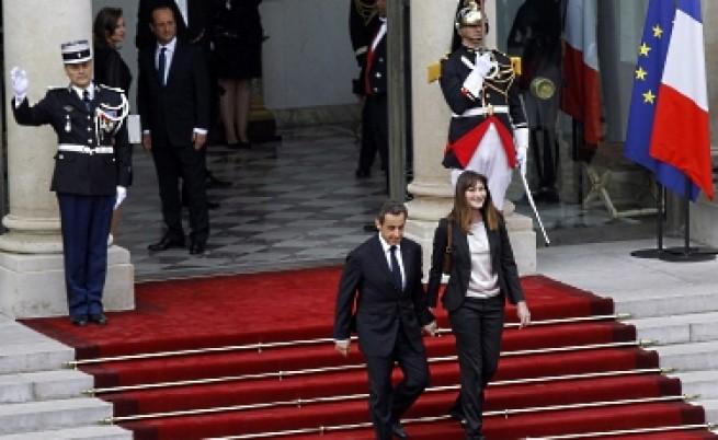 Без поста си Саркози скучае