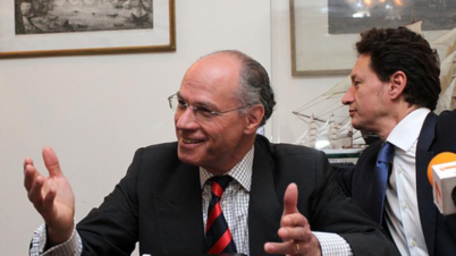 """В посолството на Италия се проведе пресконференция за икономическия форум """"Италианска бижутерия в България"""" в рамките на Италианския фестивал. На снимката: посланикът на Италия Стефано Бенацо и Фабрицио Камастра"""