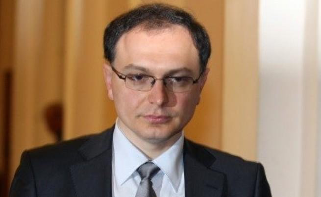 Тодор Коларов в конфликт на интереси - купил си служебните телефон и лаптоп