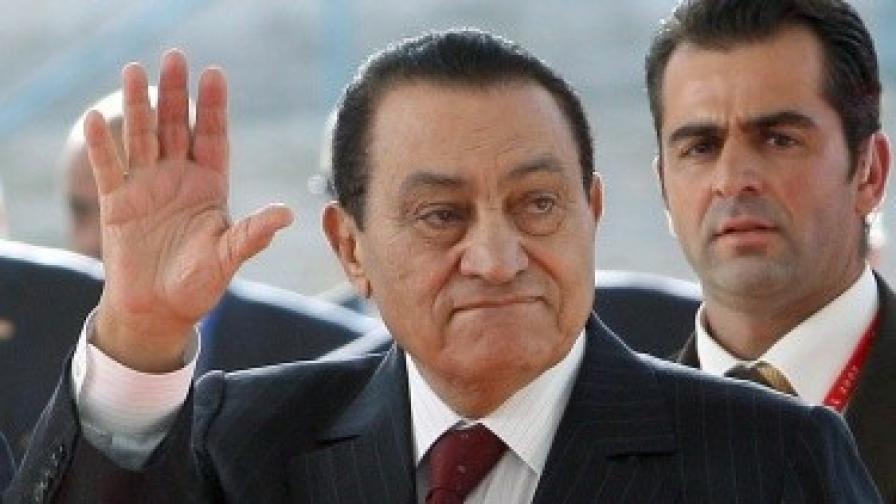 Хосни Мубарак е в кома след инсулт