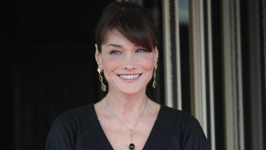 Близък на Карла Бруни: Не е бременна