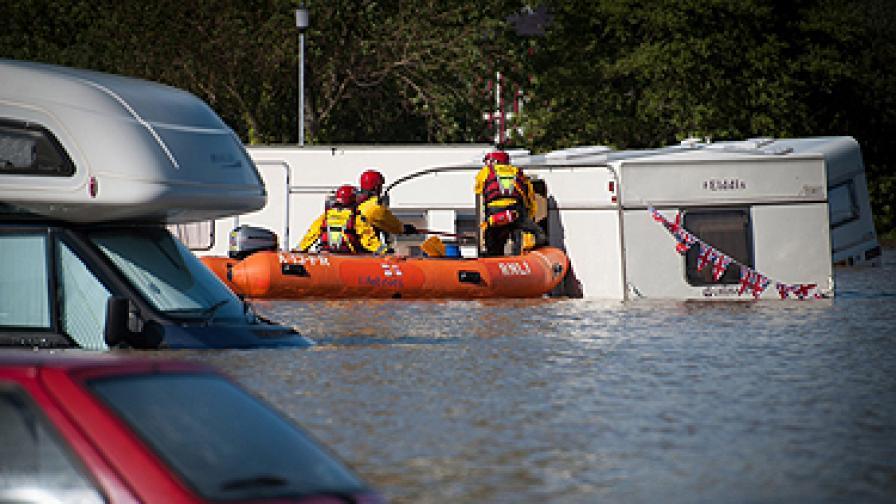 Наводнения в Русия взеха над 150 жертви