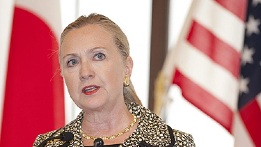 """Клинтън плаши Сирия с """"катастрофално нападение"""""""