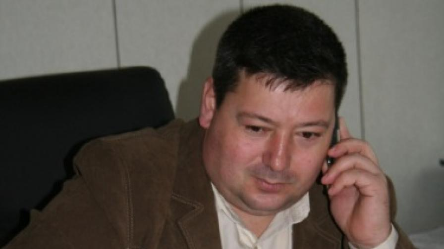 Повдигнаха обвинение на шефа на Бургаския затвор