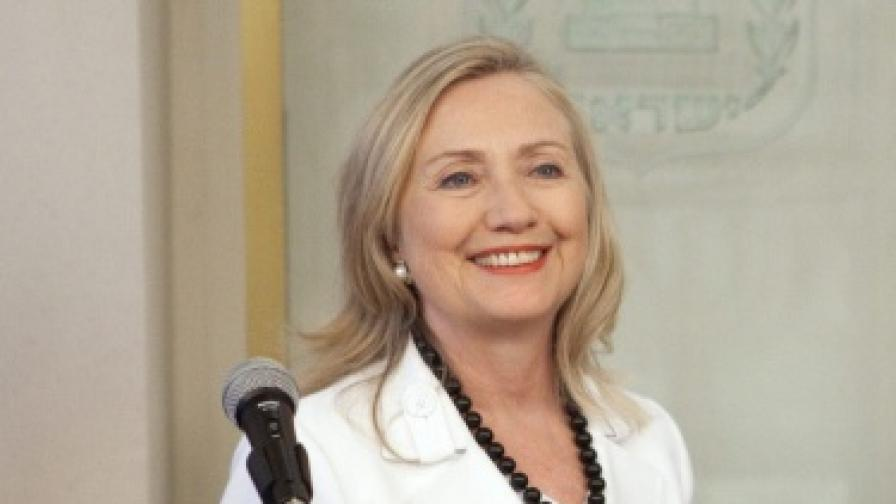 Х. Клинтън: Засилваме натиска върху Иран