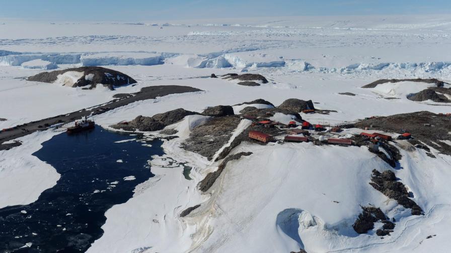 <p>Светът е в опасност, топлинна вълна удари Арктика</p>