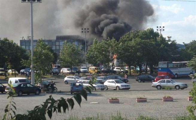 Автобус с израелски туристи е взривен на летище Бургас, има жертви